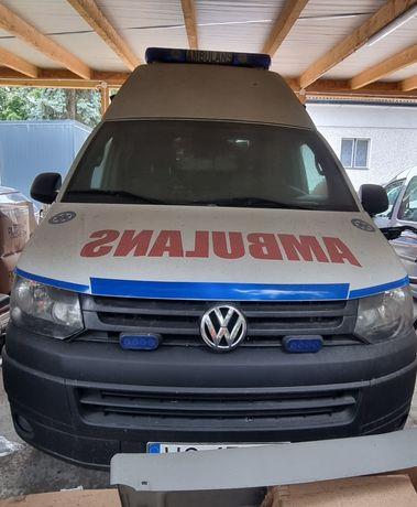 Volkswagen T5 karetka ambulans 2.0 diesel 2010