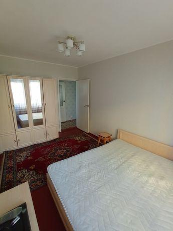 Продам 2-х комнатную гостинку на Генерала Потапова