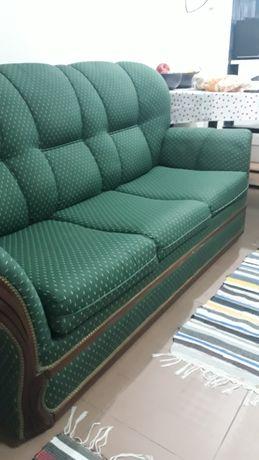 Jogo de sofá, um sofá para três lugares e duas poltronas individual