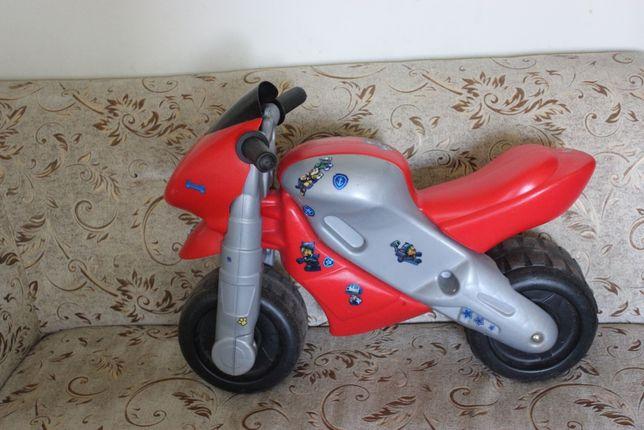 Motor biegowy