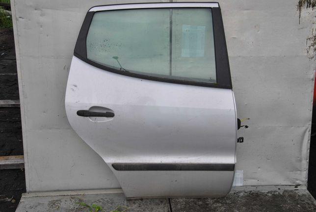 Drzwi prawy tył Mercedes W168