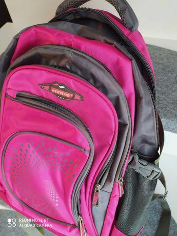 Różowy plecak do szkoły
