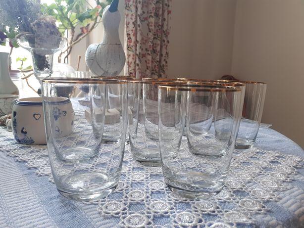 Стаканчики стеклянные с золотой каёмочкой :) 9 штук