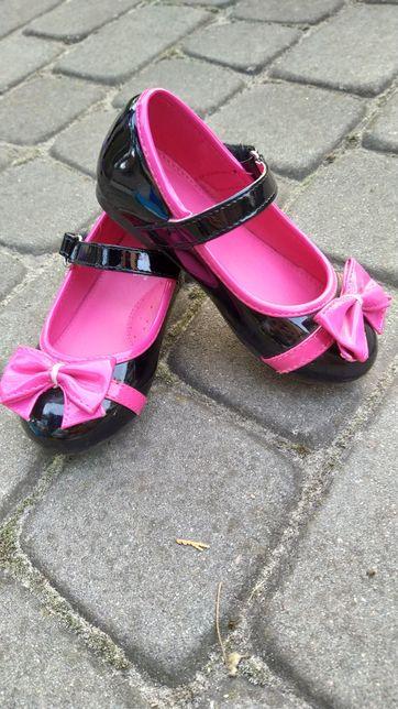 Лакові туфлі туфельки