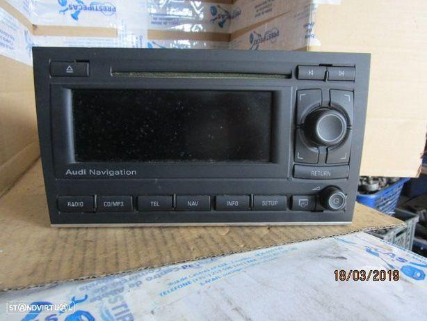 RADIO CD 8E0035192S AUDI / A4 / 2007 / BLAUPUNKT / CAR 2139 /