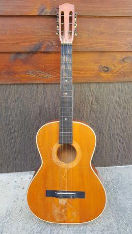 Gitara akustyczna - uszkodzona