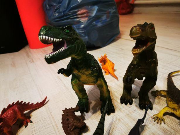 Zabawki  dinozaury smoki jaszczurki