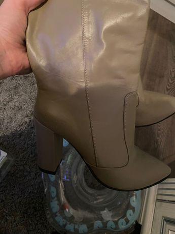 Взуття жіноче нове