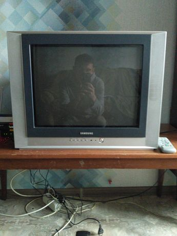 Продам телевизор под ремонт