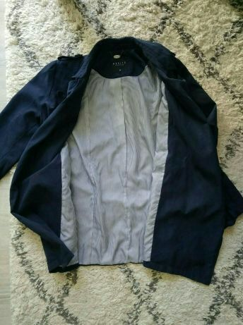 Куртка Mohito на запах, в отличном состоянии, ветровка, плащ