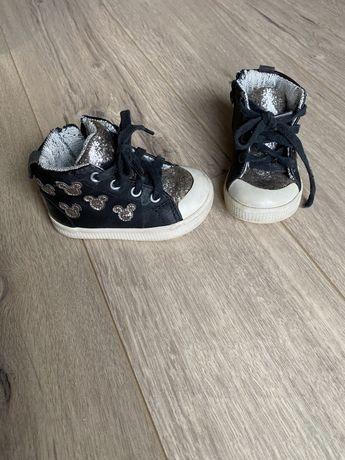 Детские ботиночки zara