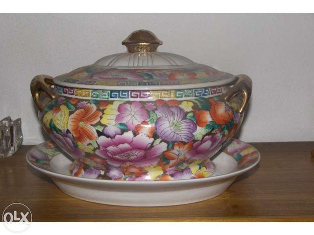 Terrina em porcelana chinesa