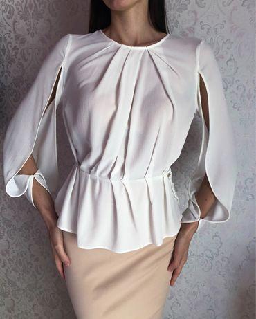 Блуза Elisabetta Franchi. Італія