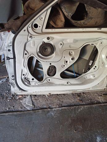 Правая передняя дверь BMW f30