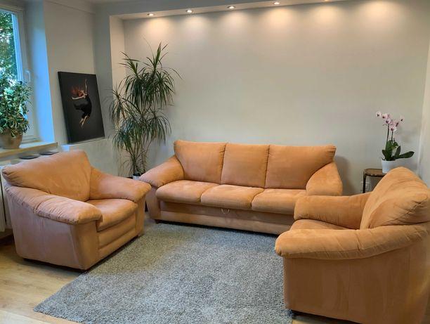 Wypoczynek – sofa 3-os. z funkcją spania + 2 fotele (super wygodne!)
