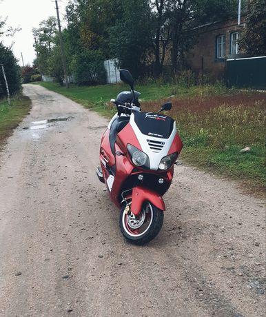 Продам скутер Viper Tornado 250 куб