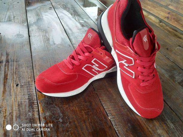 Продам кросівки нові