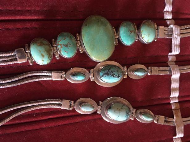 Pulseiras em prata de lei 92.5 e pedras. Origem: Índia