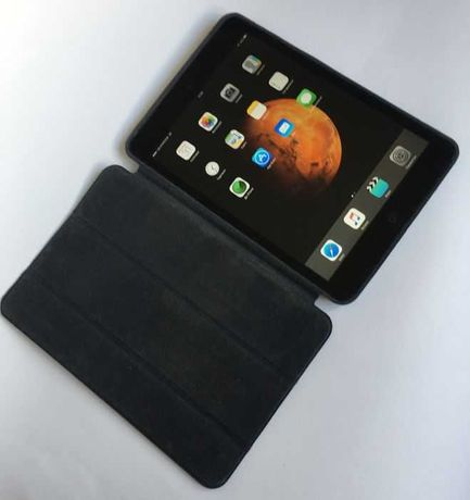 Ipad mini 4G 64 Gb 1 покоління чорний + оригінальний жорсткий ковер