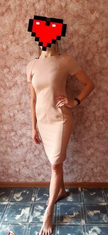Плаття по фігурі