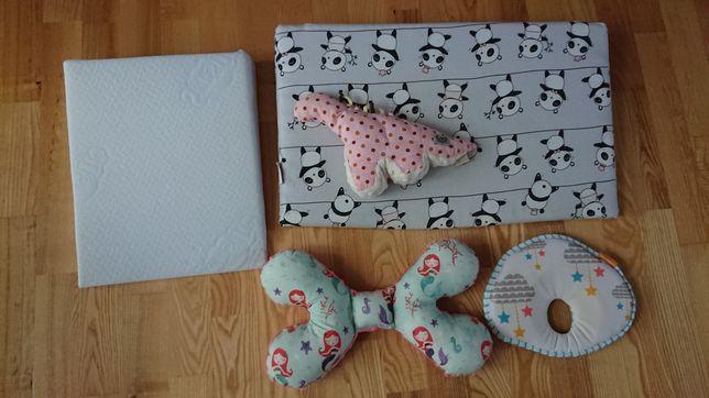 Poduszka korygująca dla niemowlaka 4 sztuki ortopedyczne klin