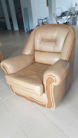 Lindíssimos e em excelente estado! Vintage Sofas em pele Genuína .