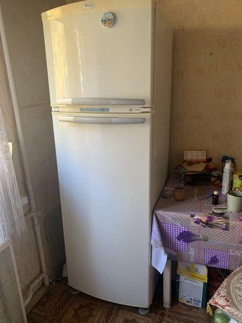 Холодильник No Frost Whirpool ARG773