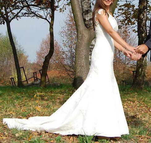 Koronkowa suknia ślubna SABE