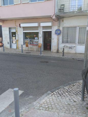 Trespasse Café/Pastelaria Com fábrica em Queluz