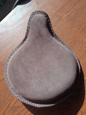 Banco/assento para mota bobber/chopper forrado com pele genuína