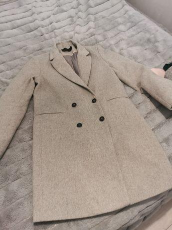 Płaszcz roz. 38 Reserved