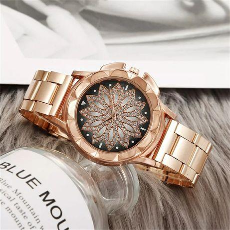 Zegarek kwiat lotosu na bransolecie