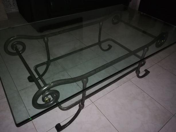 Mesa de centro (sala) - ferro e vidro