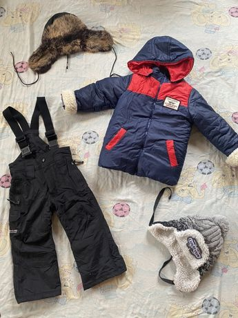 Зимняя куртка + шапки в подарок