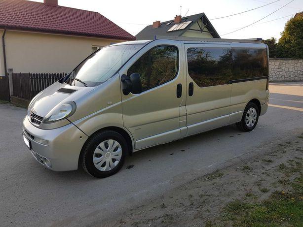 Opel Vivaro 2006 2.5DCI Long 2xdrzwi przesuwne Holenderka Dubel 6 osób
