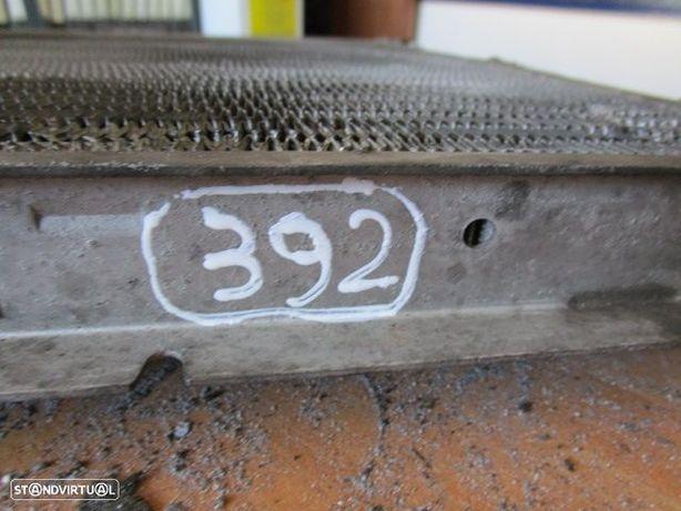 Radiador AC 261317085 BMW / E36 / 1995 / 318TDS / USADO /