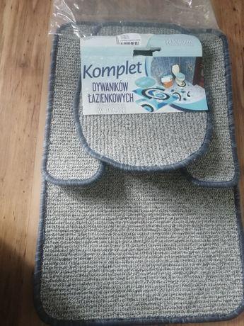 Stare dywaniki łazienkowe