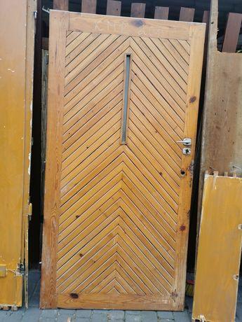 Drzwi sosnowe 208cm wysokość 106 cm szerokość