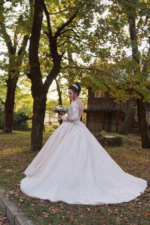 Весільне плаття !