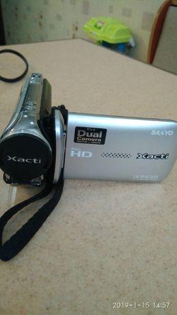 Видеокамера Sanyo VPC-GH1 Silver