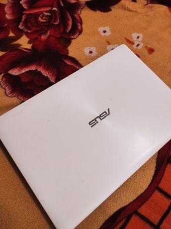 Asus x553m/ Celeron N2830/ 4 gb ram/500 gb hdd