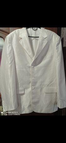 Белый костюм ,размер 52- 54