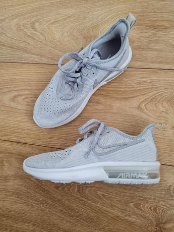 Buty sportowe Nike Air Max Sequent 4 36