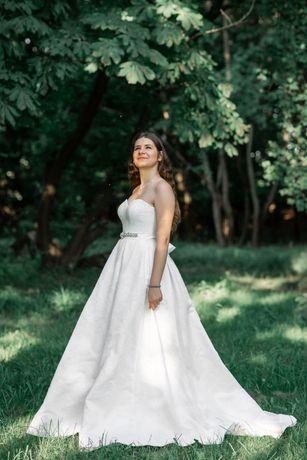 Терміново продаю весільну сукню