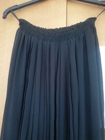 Długa spódnica plisowana czarna 36