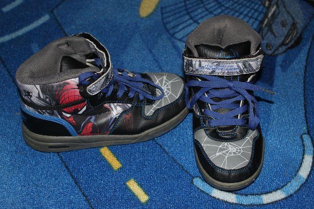 Buty Spiderman, Adidas i kapcie Straż Pożarna rozmiar 31