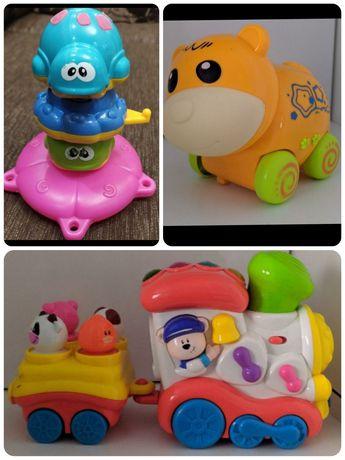 Фирменные развивающие игрушки для малышей
