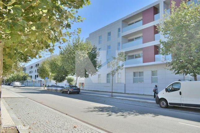 Apartamento T4 | NOVO | Garagem P/ 2 Viaturas | A 200m da praia