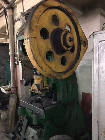 Пресс кривошипный 63 тонны промышленный КД2128