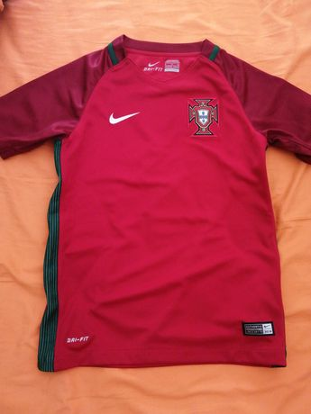 T-shirt Nike Portugal menino 8 anos